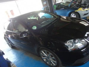3,20 VW GOLF5 R32 AP (1)