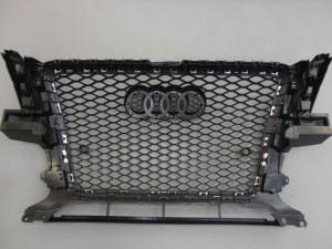3,9 AUDI Q5 8R RSFr Grill (4)