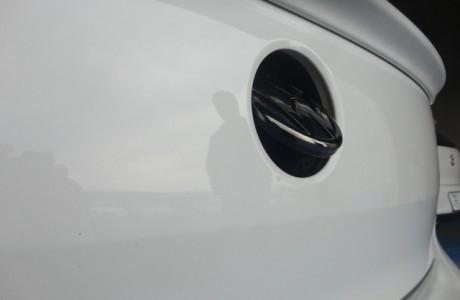 VW POLO ポロ 6R 1,2TSI VW純正 エンブレムオープナーカメラ取り付け