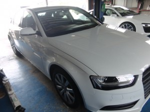 7,6 AUDI A4 MY13 ISWEEP クルコン (1)