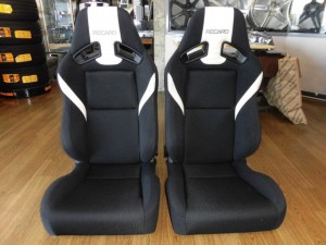 10,25 THE BEETLE RECARO SR-7 LASSIC (2)
