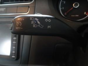 10,5 VW POLO 6R 1,4 クルーズコントロール (2)