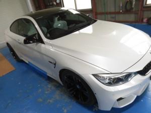 5,27 BMW M4 レイヤードサウンド (1)