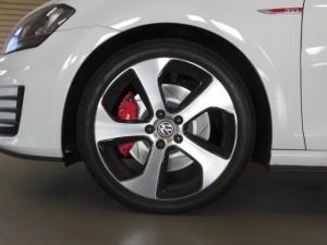 8,12 VW GOLF7 GTI Brembo (8)