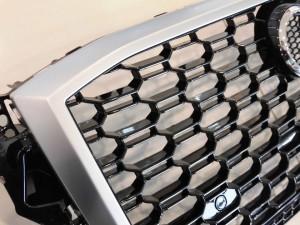 2018 12,7 AUDI Q2 RSスタイルグリル (4)