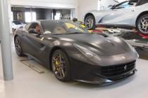 フェラーリ Ferrari F12 ベルリネッタ マットブラック ボディフルラッピング 施工!!