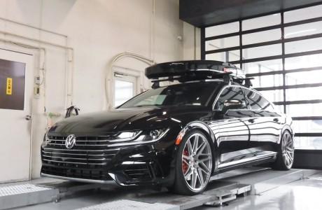 VW ARTEON アルテオン R-LINE US純正フロントグリル&US純正フロントUSマーカー取り付け&エンジンカバー&エンブレム塗装&034モータースポーツカーボンパーツ取り付け!!