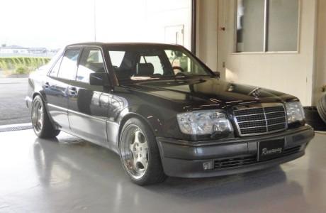 MercedesBenz メルセデスベンツ W124 E500 メガライフバッテリー取り付け!