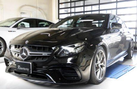 メルセデスベンツ W213 AMG E43 アルパイン DVDチェンジャー取り付け!!